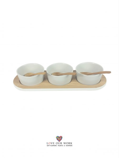 Entertain in style with Pure homewares contemporary design Bamboo and Ceramic three bowl set.